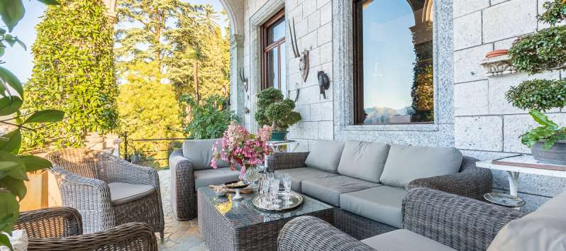 outdoor living room of the villa in Bellagio